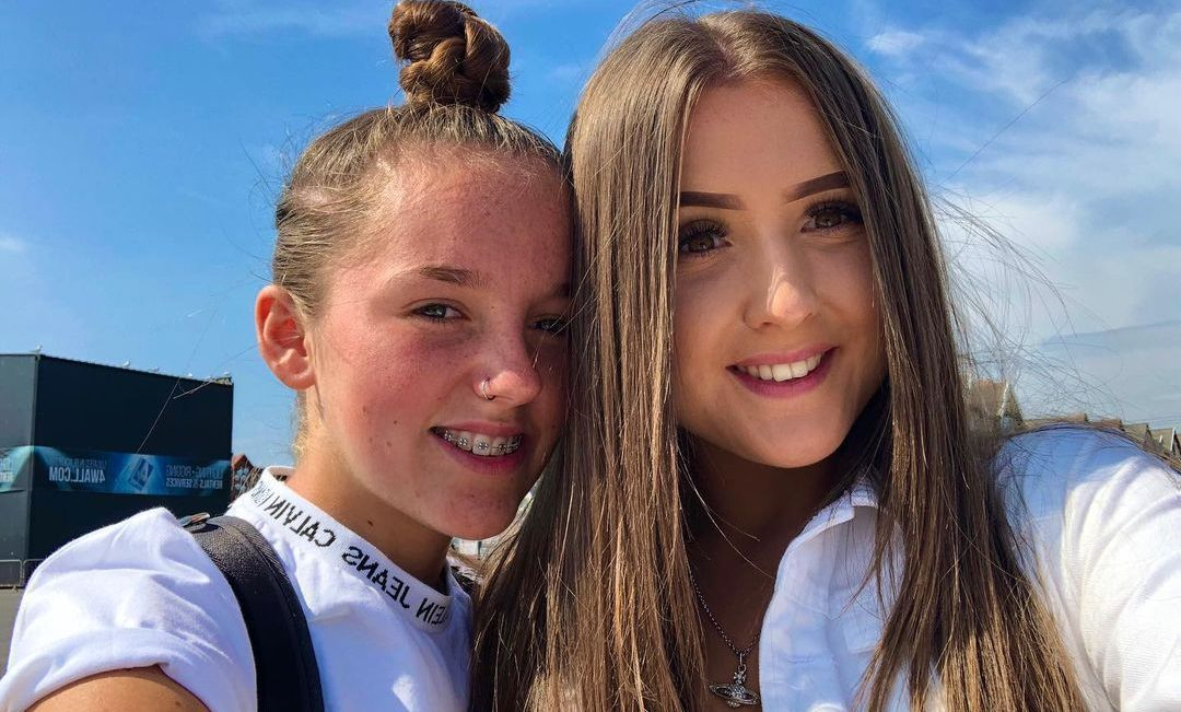 Libby-Mae And Katylee Bailey
